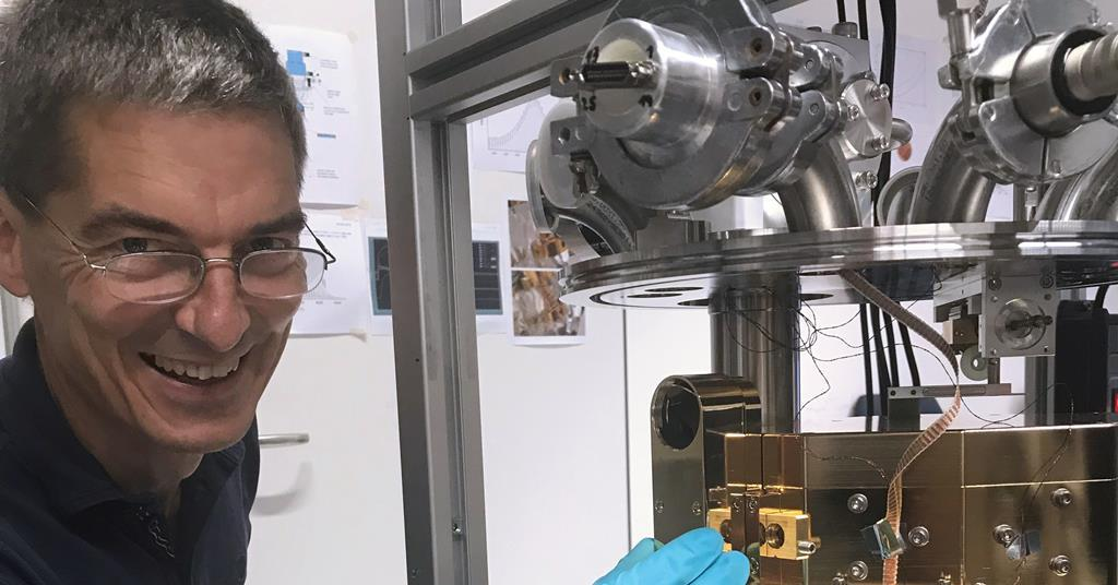 Vibrational energy antenna offers 'a completely new way to run a reaction'