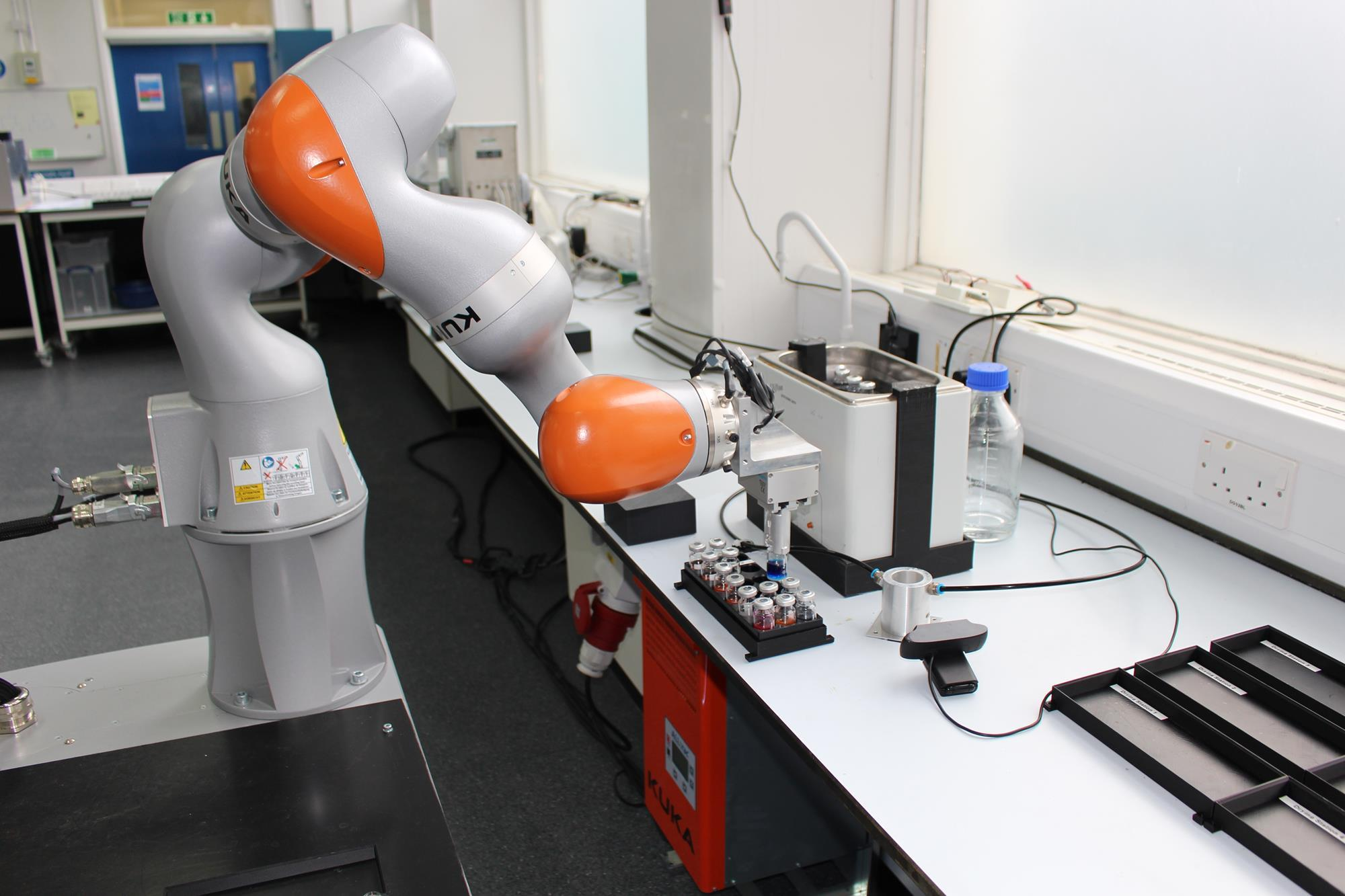 Your new labmate does 700 reactions in eight days – and it's a robot - Chemistry World