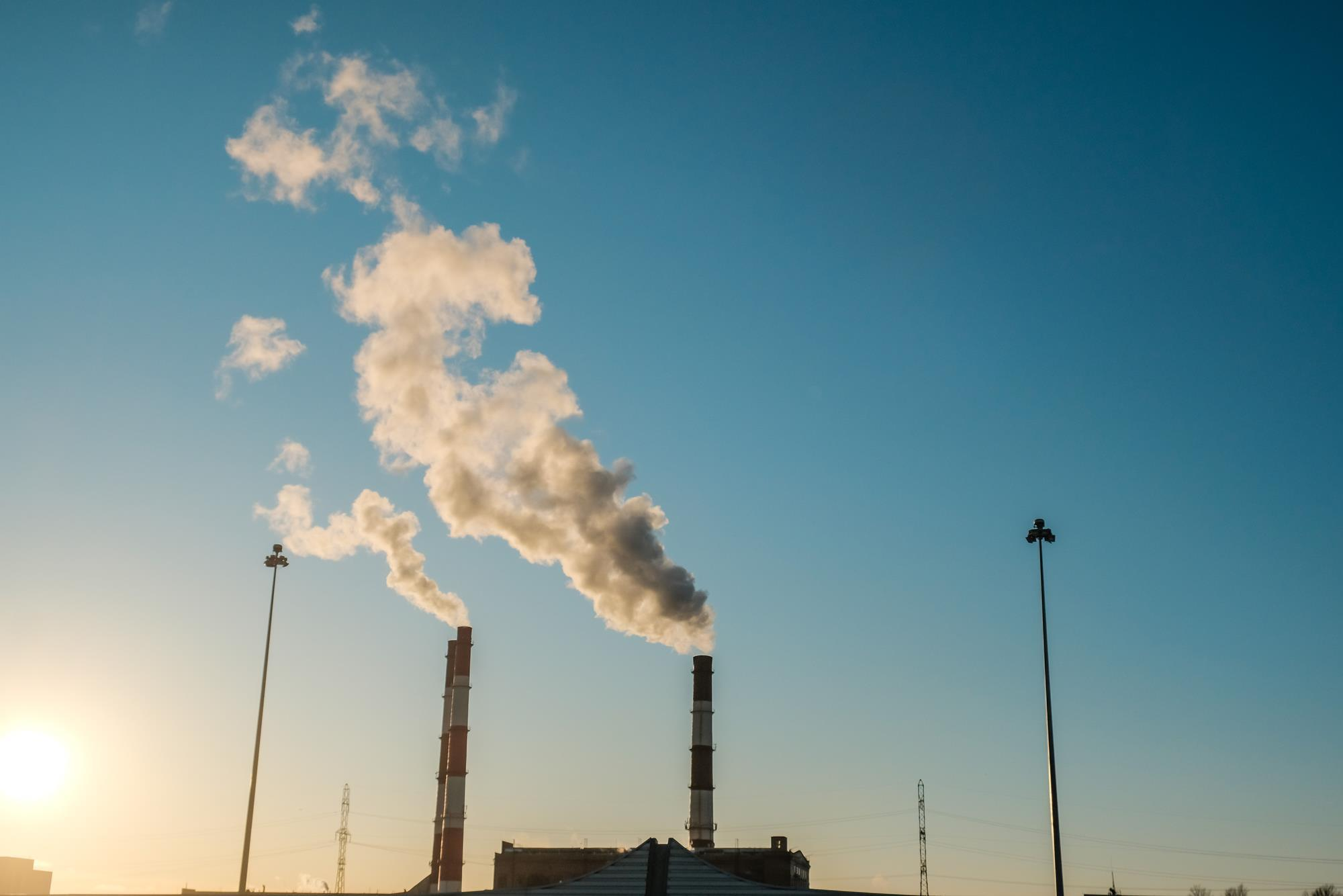 Mechanochemistry shakes up carbon capture with simple way to trap gas