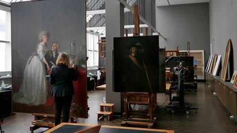 Detalhes ocultos no icônico retrato de Lavoisiers revelam temores de uma revolução que se aproxima.