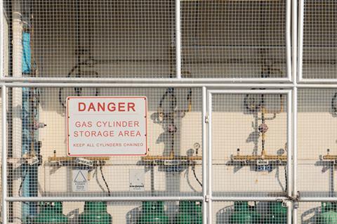 تصویری که محل ذخیره سیلندر گاز را نشان می دهد